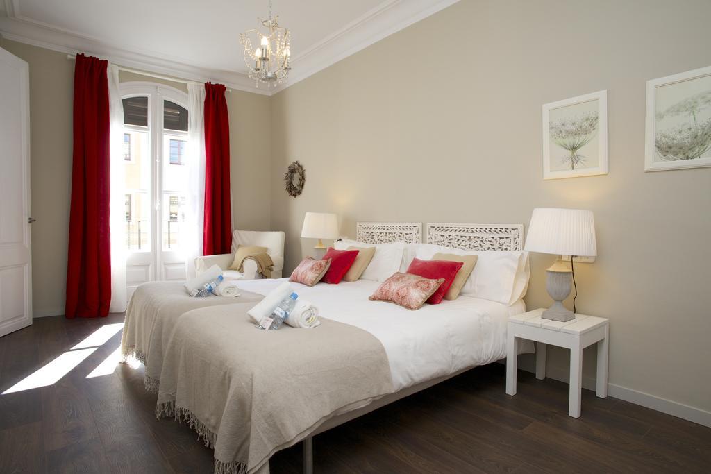 apartamento 1 habitacion paseo de gracia dormitorio